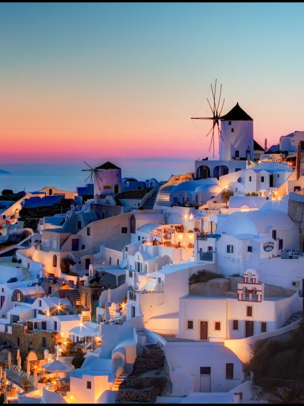 Oia-Santorini-HDR-Sunset-600x800