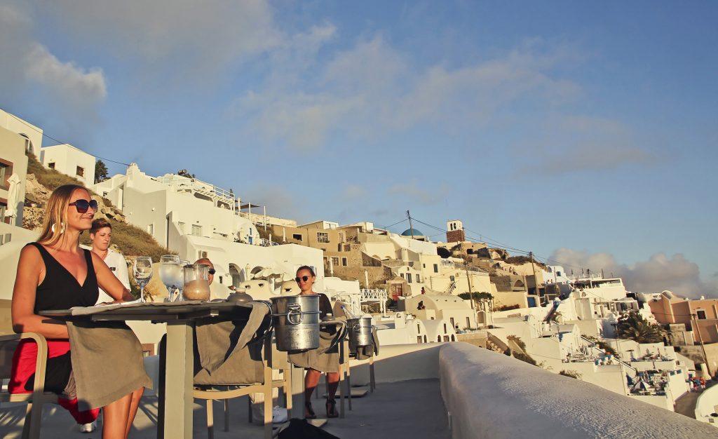 Santorini private tour - Guide me in Greece