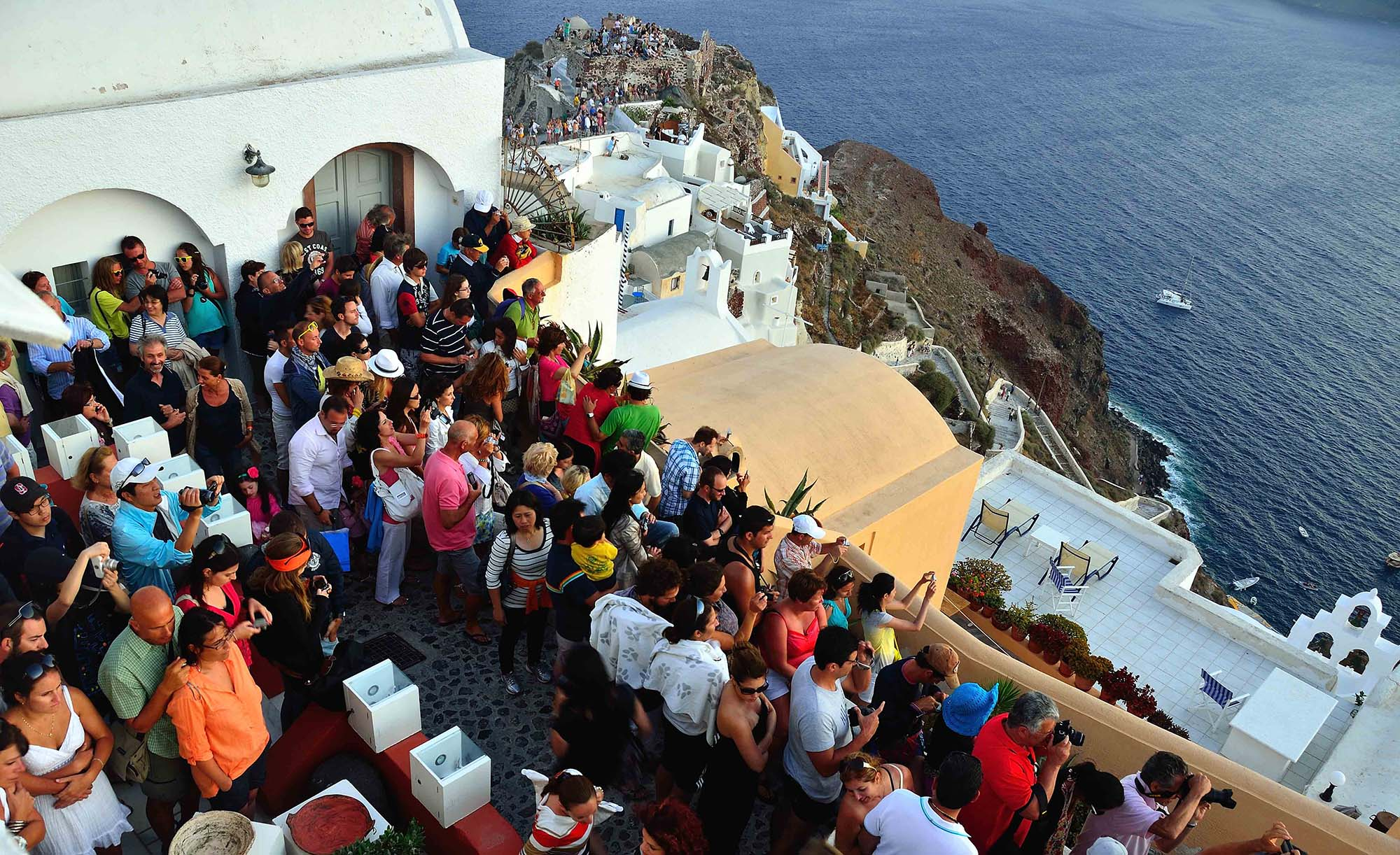 Guide me in Greece tours - Oia